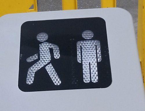 Eliminar carteles y pegatinas de farolas y semáforos ya no es imposible